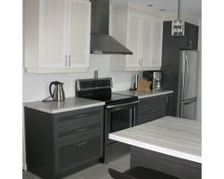 Custom-made Kitchen Cabinet