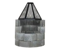 Foyer en blocs de béton avec pare-étincelles